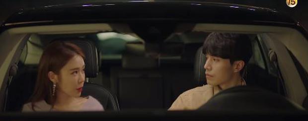 """Học lỏm bí kíp """"cua trai"""" của Yoo In Na với màn """"nhỡ chạm tay anh"""" siêu đỉnh trong Touch Your Heart - Ảnh 1."""