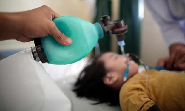 Nỗi sợ tiêm vắc - xin của các bậc cha mẹ khiến Philippines bị vây hãm trong đại dịch sởi, làm hàng chục trẻ em tử vong - Ảnh 3.