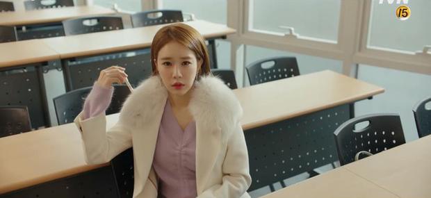 """Học lỏm bí kíp """"cua trai"""" của Yoo In Na với màn """"nhỡ chạm tay anh"""" siêu đỉnh trong Touch Your Heart - Ảnh 9."""