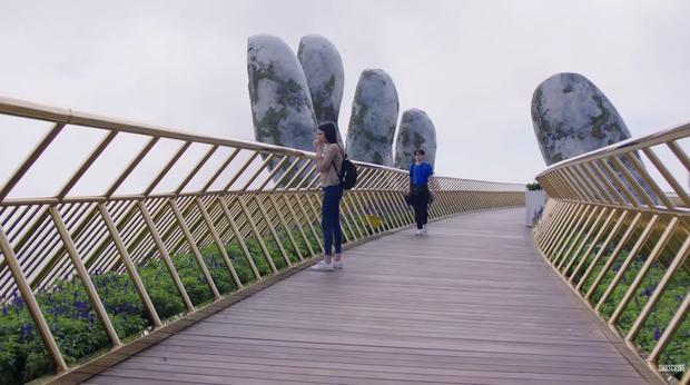 HLV The Face Thái đeo bám Jun Vũ không ngừng khi ekip phim Thái Wolf ghi hình tại Đà Nẵng - Hội An - Ảnh 2.