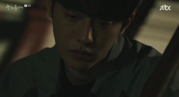 Đã quen với một Nam Joo Hyuk soái khí ngời ngời, có ai ngờ anh chàng lại tả tơi thế này trong Dazzling - Ảnh 6.