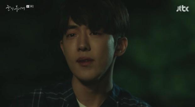 Đã quen với một Nam Joo Hyuk soái khí ngời ngời, có ai ngờ anh chàng lại tả tơi thế này trong Dazzling - Ảnh 8.