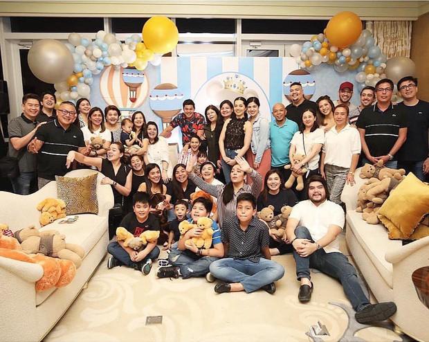Mỹ nhân đẹp nhất Philippines mở tiệc đón con thứ 2, dân tình chỉ dán mắt vào nhan sắc cực phẩm của bé gái đầu lòng - Ảnh 14.