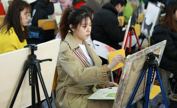 Đấu trường nhan sắc của dàn minh tinh tương lai tại kỳ thi nghệ thuật lớn nhất Châu Á - Ảnh 26.
