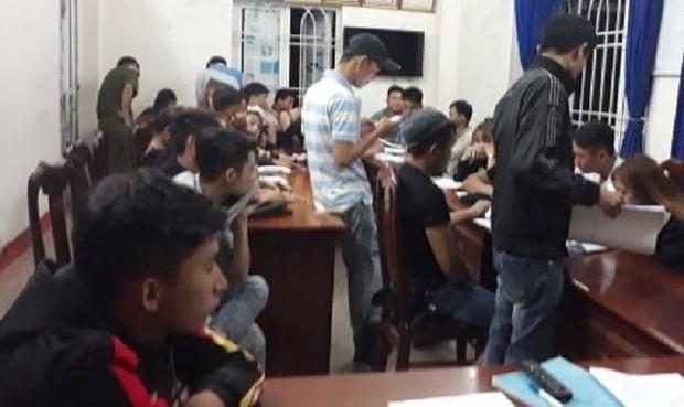 Phát hiện 38 đối tượng chơi ma túy trong quán karaoke ở Quảng Nam - Ảnh 1.