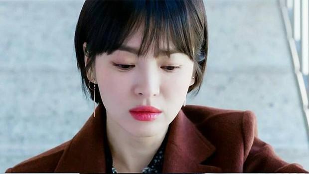 Bạn có nhận ra các 'noona' trong phim Hàn, từ 'Chị Đẹp' đến 'Encounter' và 'Phụ Lục Tình Yêu' đều giống nhau đến kỳ lạ - Ảnh 3.