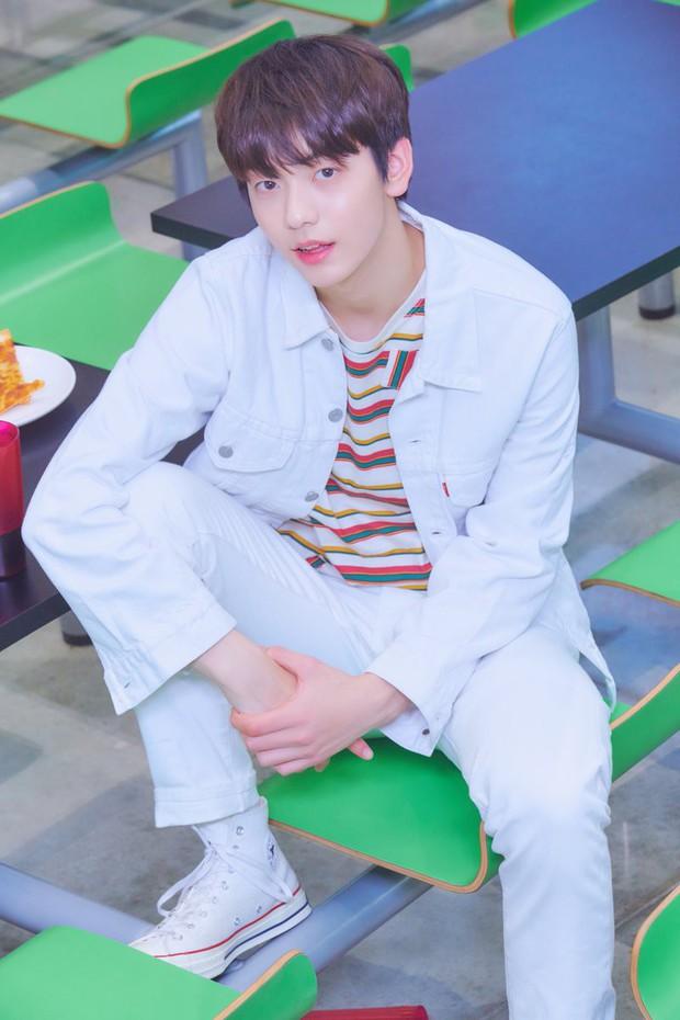 TXT tung ảnh nhá hàng cho album đầu tay, thành viên giống Jungkook (BTS) được quan tâm số một! - Ảnh 3.