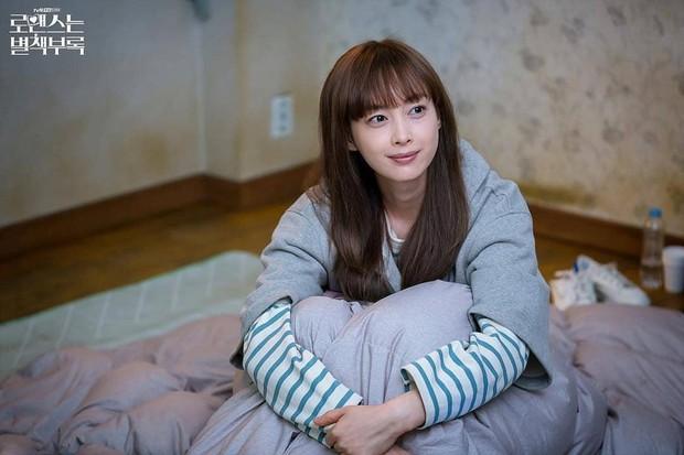 Bạn có nhận ra các 'noona' trong phim Hàn, từ 'Chị Đẹp' đến 'Encounter' và 'Phụ Lục Tình Yêu' đều giống nhau đến kỳ lạ - Ảnh 4.