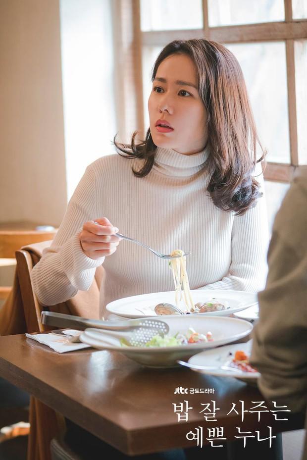 Bạn có nhận ra các 'noona' trong phim Hàn, từ 'Chị Đẹp' đến 'Encounter' và 'Phụ Lục Tình Yêu' đều giống nhau đến kỳ lạ - Ảnh 5.