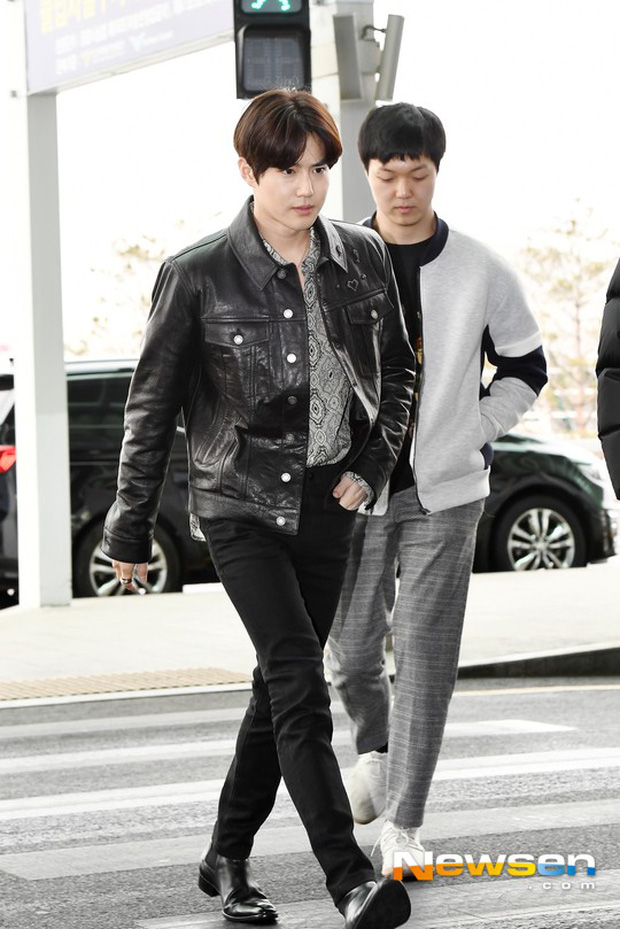 Em út mặt trắng bệch dẫn đầu đoàn BTS đọ sắc với Suho (EXO), mỹ nhân Seolhyun khoe dáng sang chảnh tại sân bay - Ảnh 15.