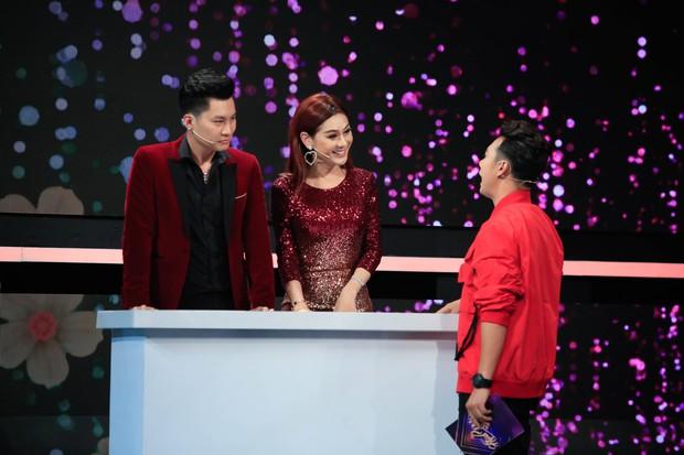 Lâm Khánh Chi liên tục dọa khóc, ly dị chồng khi chơi gameshow đầu năm - Ảnh 3.