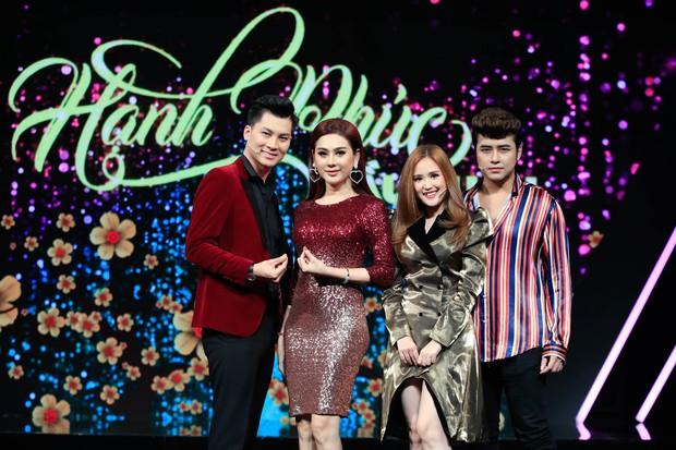 Lâm Khánh Chi liên tục dọa khóc, ly dị chồng khi chơi gameshow đầu năm - Ảnh 1.