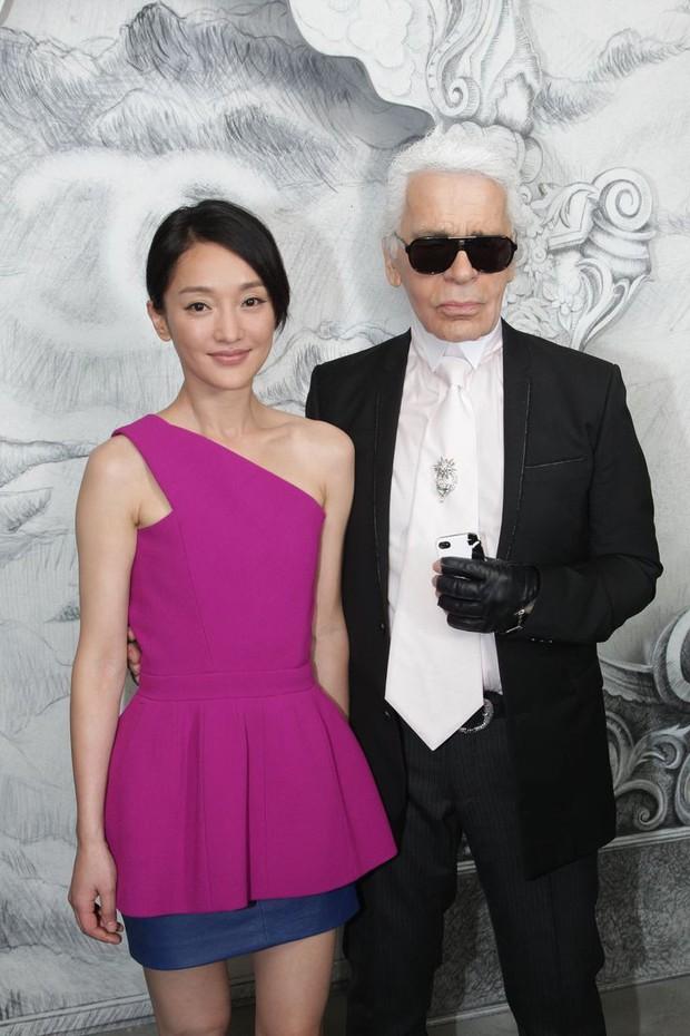 Karl Lagerfeld qua đời, Victoria Beckham, Gigi, Bella Hadid và loạt sao thế giới bày tỏ niềm thương tiếc với huyền thoại thời trang - Ảnh 6.