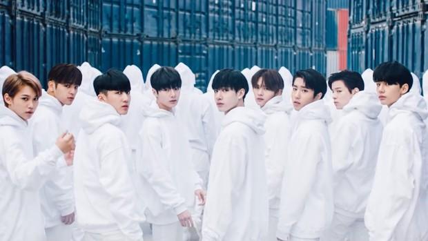 """Doanh số album của các nhóm nhạc debut trong 2 năm qua: """"Bom tấn"""" TXT thua hậu bối, (G)I-DLE bất ngờ gây thất vọng - Ảnh 3."""