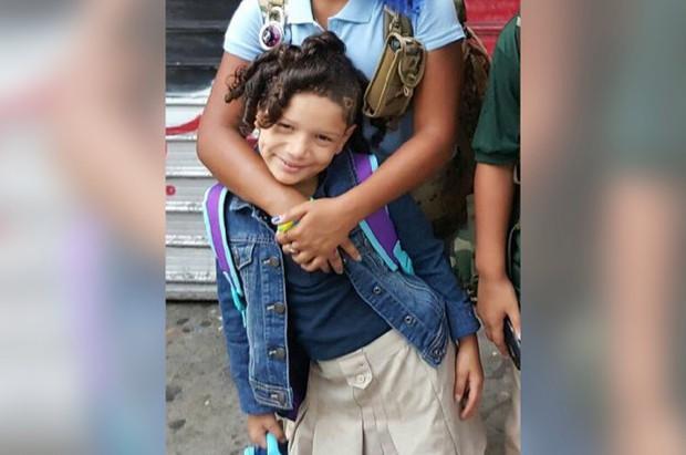 Bị mẹ mắng vì chơi điện thoại vào sáng sớm, bé gái 9 tuổi treo cổ tự tử - Ảnh 1.