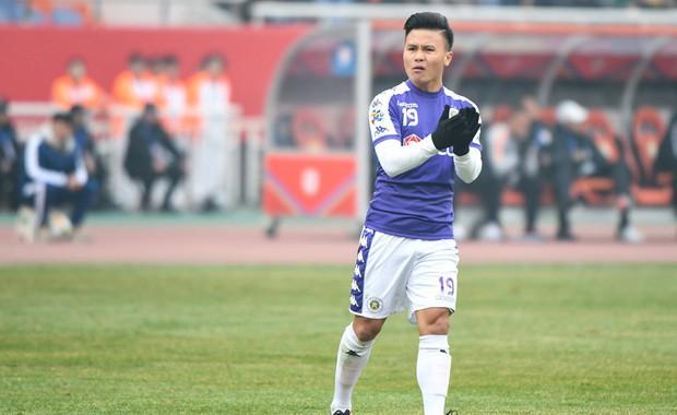 CLB Hà Nội chơi trên cơ đại gia Trung Quốc nhưng thua ngược tiếc nuối bởi sai lầm không đáng có - Ảnh 2.
