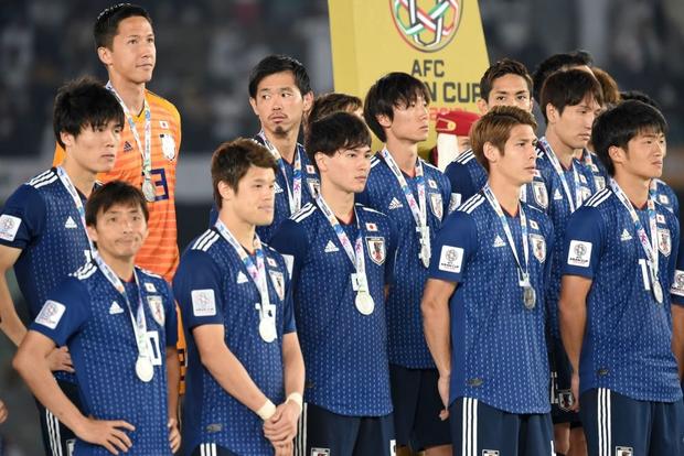 Nữ CĐV từng khiến bạn bè quốc tế ngây ngất vì vẻ đẹp ngây thơ thất thần nhìn Nhật Bản phơi áo trước Qatar - Ảnh 5.