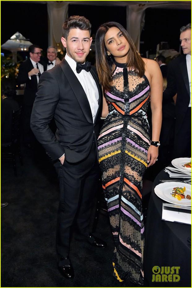 Dự sự kiện với vợ Hoa hậu lớn hơn 10 tuổi, Nick Jonas tự châm biếm bản thân vì tổ chức quá nhiều tiệc cưới - Ảnh 4.