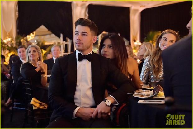 Dự sự kiện với vợ Hoa hậu lớn hơn 10 tuổi, Nick Jonas tự châm biếm bản thân vì tổ chức quá nhiều tiệc cưới - Ảnh 5.