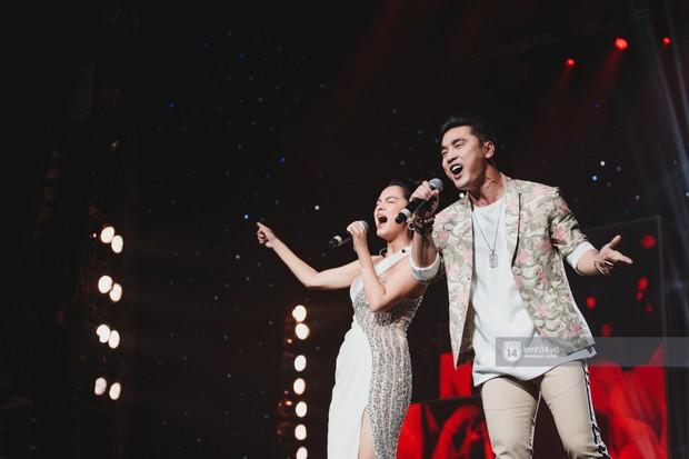 Fan nức lòng nhìn lại những khoảnh khắc tỏa sáng của ca sĩ Vpop trên sân khấu Việt-Hàn hot nhất năm qua - Ảnh 21.