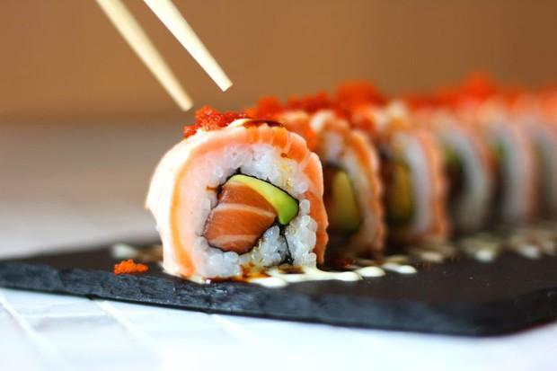 Tự xưng là hội mê sushi, nhưng chưa chắc ai cũng biết về sự thật đằng sau những lầm tưởng phổ biến về món ăn này - Ảnh 3.