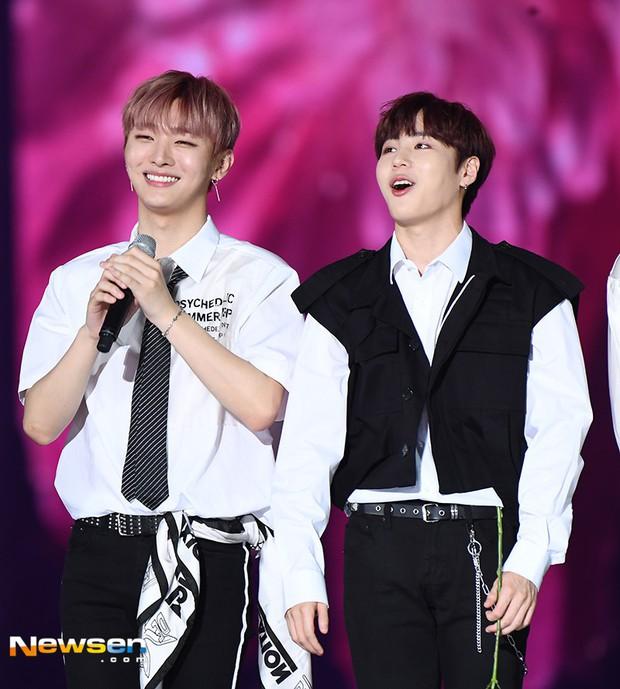 Đây là show thực tế đầu tiên mà 2 thành viên lớn tuổi nhất Wanna One tham gia sau khi nhóm tan rã! - Ảnh 2.
