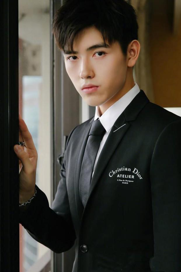 Trần Phi Vũ - quý tử nhà đạo diễn Trần Khải Ca: Điển trai, áp đảo cả Song Joong Ki, thành đại sứ Dior khi mới 16 tuổi - Ảnh 13.