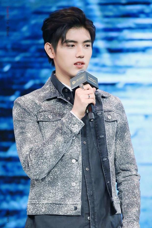 Trần Phi Vũ - quý tử nhà đạo diễn Trần Khải Ca: Điển trai, áp đảo cả Song Joong Ki, thành đại sứ Dior khi mới 16 tuổi - Ảnh 16.
