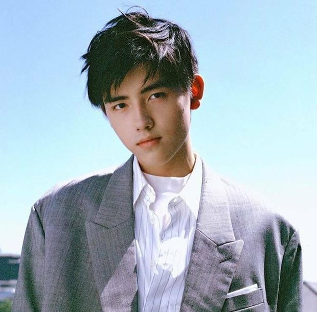 Trần Phi Vũ - quý tử nhà đạo diễn Trần Khải Ca: Điển trai, áp đảo cả Song Joong Ki, thành đại sứ Dior khi mới 16 tuổi - Ảnh 17.
