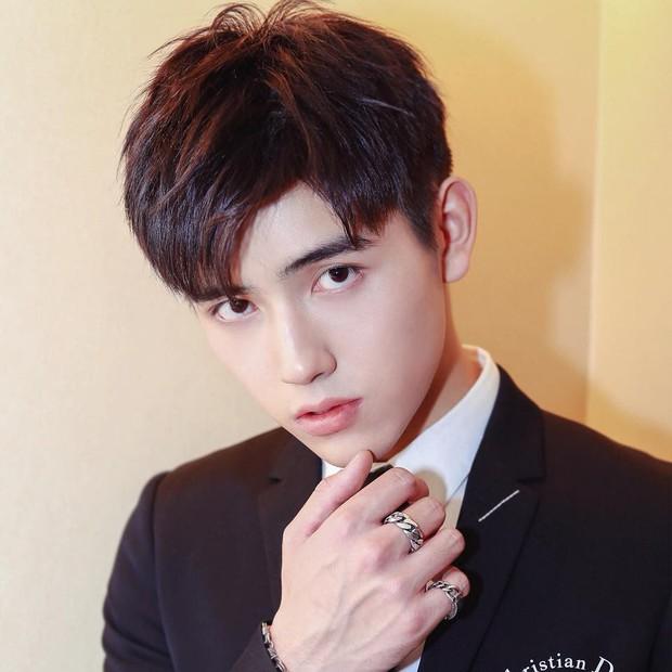 Trần Phi Vũ - quý tử nhà đạo diễn Trần Khải Ca: Điển trai, áp đảo cả Song Joong Ki, thành đại sứ Dior khi mới 16 tuổi - Ảnh 9.