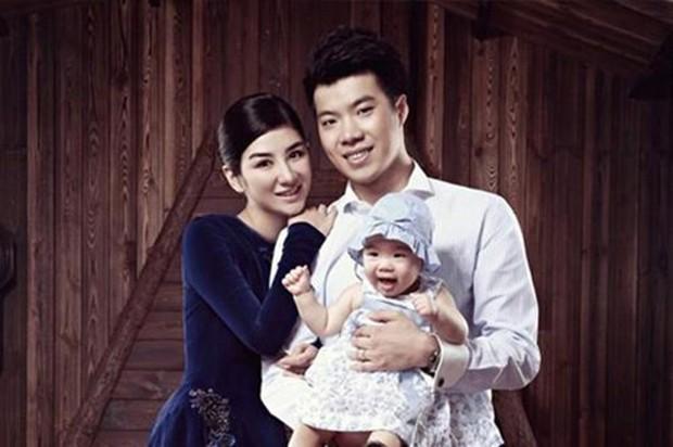 Chồng cũ tố Tiểu Yến Tử Huỳnh Dịch là người đồng tính, cố ý lừa kết hôn vì mục đích xấu? - Ảnh 1.