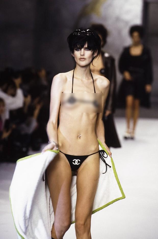 Karl Lagerfeld: Những pha náo loạn chấn động nhà mốt Chanel, đến Coco có sống lại cũng phải sững sờ - Ảnh 2.