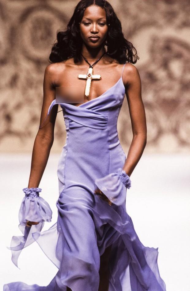 Karl Lagerfeld: Những pha náo loạn chấn động nhà mốt Chanel, đến Coco có sống lại cũng phải sững sờ - Ảnh 5.
