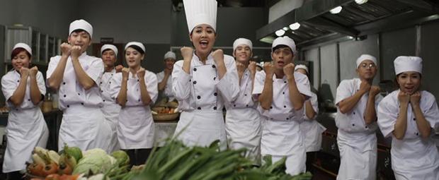 Mệt mỏi với những câu thoại vô duyên trong phim Việt - Ảnh 2.