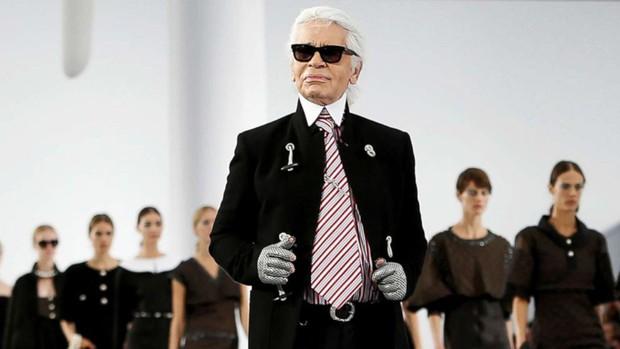 Không chỉ là nhà thiết kế thời trang huyền thoại, Karl Lagerfeld còn từng thử sức đạo diễn nhiều phim ngắn - Ảnh 1.
