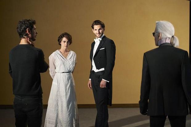 Không chỉ là nhà thiết kế thời trang huyền thoại, Karl Lagerfeld còn từng thử sức đạo diễn nhiều phim ngắn - Ảnh 3.