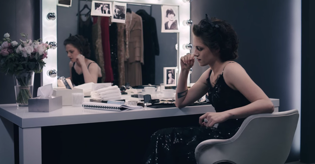 Không chỉ là nhà thiết kế thời trang huyền thoại, Karl Lagerfeld còn từng thử sức đạo diễn nhiều phim ngắn - Ảnh 4.