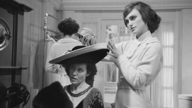 Không chỉ là nhà thiết kế thời trang huyền thoại, Karl Lagerfeld còn từng thử sức đạo diễn nhiều phim ngắn - Ảnh 12.