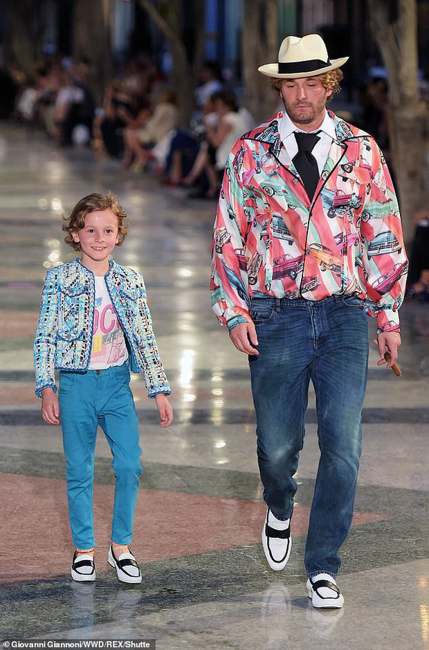 Cuộc sống xa hoa của Hoàng tử nhí làng thời trang, con trai nuôi huyền thoại Karl Lagerfeld - Ảnh 2.