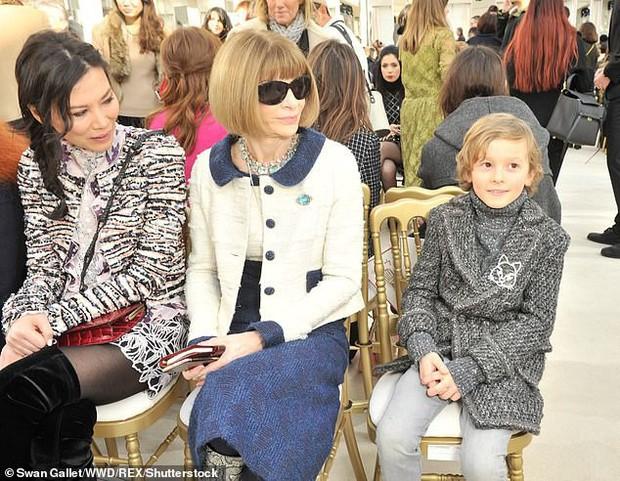 Cuộc sống xa hoa của Hoàng tử nhí làng thời trang, con trai nuôi huyền thoại Karl Lagerfeld - Ảnh 6.