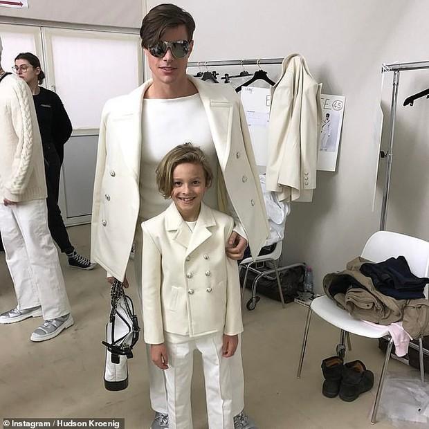 Cuộc sống xa hoa của Hoàng tử nhí làng thời trang, con trai nuôi huyền thoại Karl Lagerfeld - Ảnh 7.