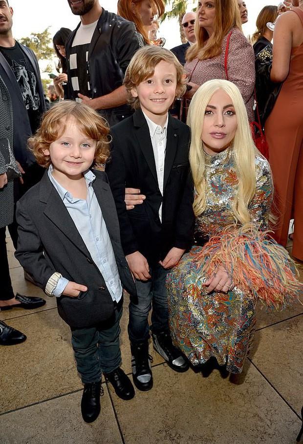 Cuộc sống xa hoa của Hoàng tử nhí làng thời trang, con trai nuôi huyền thoại Karl Lagerfeld - Ảnh 8.