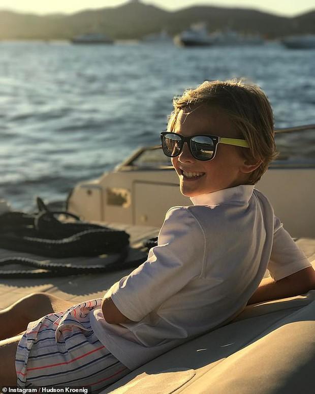 Cuộc sống xa hoa của Hoàng tử nhí làng thời trang, con trai nuôi huyền thoại Karl Lagerfeld - Ảnh 9.