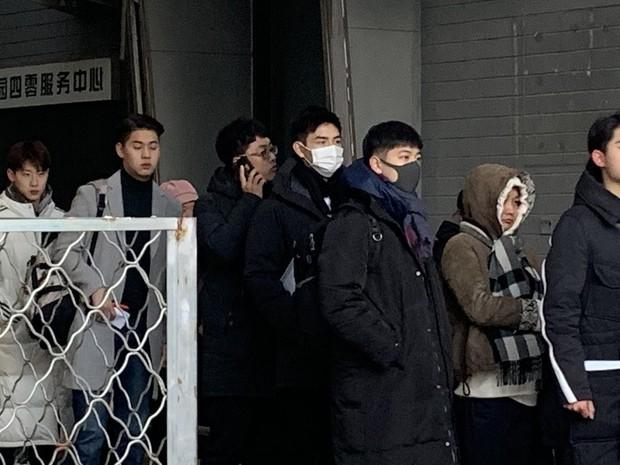 Xuất hiện nam thần cao 1m88, gây sốt tại cổng trường thi Đại học khiến dân tình nháo nhào tìm info - Ảnh 5.