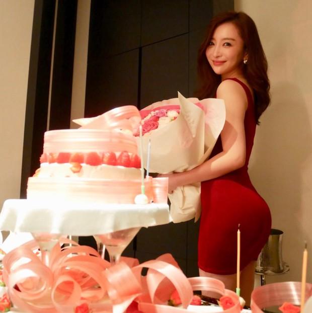 Bạn gái tin đồn U40 của Changmin (DBSK): Diễn viên phim nóng với gương mặt thiên thần, vòng 1 căng đầy đến ngộp thở - Ảnh 14.