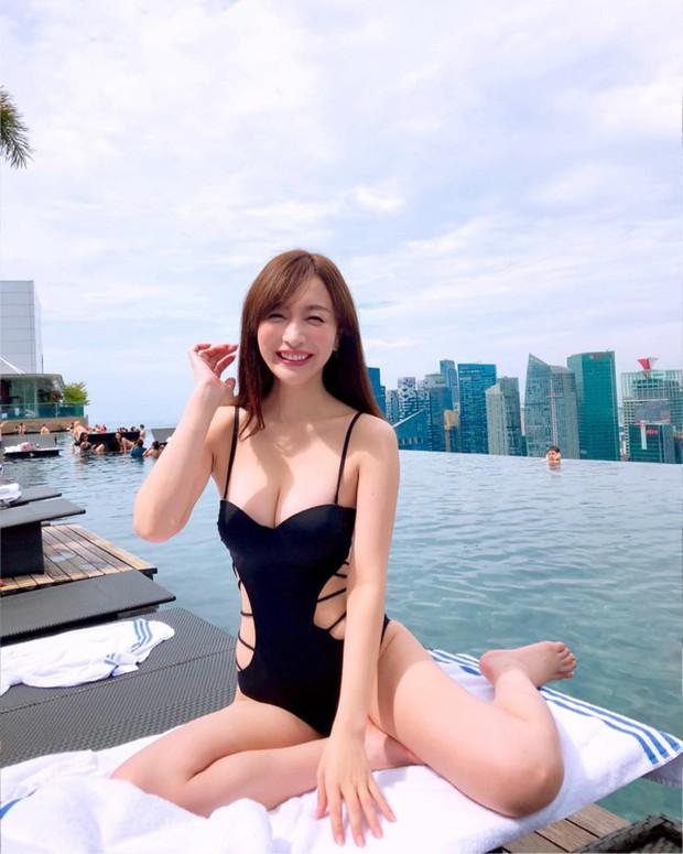 Bạn gái tin đồn U40 của Changmin (DBSK): Diễn viên phim nóng với gương mặt thiên thần, vòng 1 căng đầy đến ngộp thở - Ảnh 13.