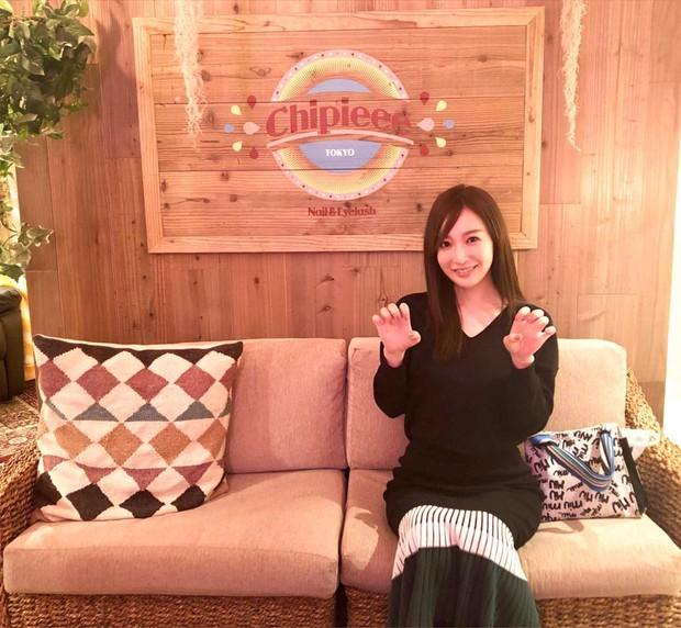 Bạn gái tin đồn U40 của Changmin (DBSK): Diễn viên phim nóng với gương mặt thiên thần, vòng 1 căng đầy đến ngộp thở - Ảnh 5.