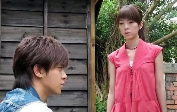 Trương Chấn: Nam tài tử bị gán danh Cỗ máy bẻ cong giới tính bạn gái của Cbiz và loạt mối tình trớ trêu - Ảnh 6.