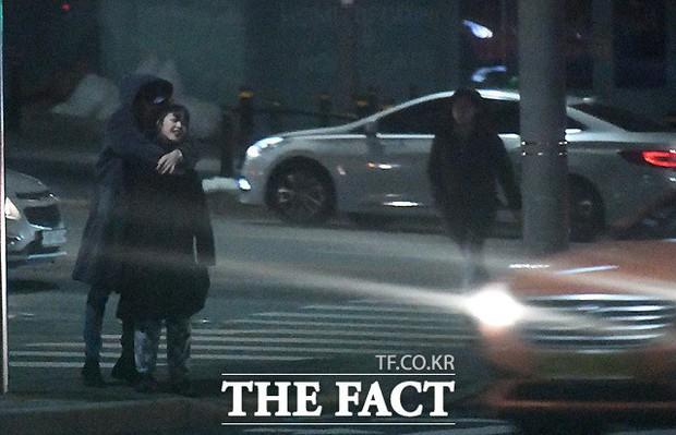 Trước khi công khai hẹn hò Kim Bora, Jo Byung Gyu từng dính tin đồn tình cảm với nhân vật này! - Ảnh 1.