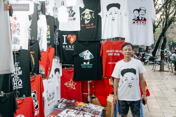 In áo phông hình 2 nhà lãnh đạo Donald Trump và Kim Jong-un, cửa hàng ở Hà Nội kiếm tiền triệu mỗi ngày - Ảnh 2.